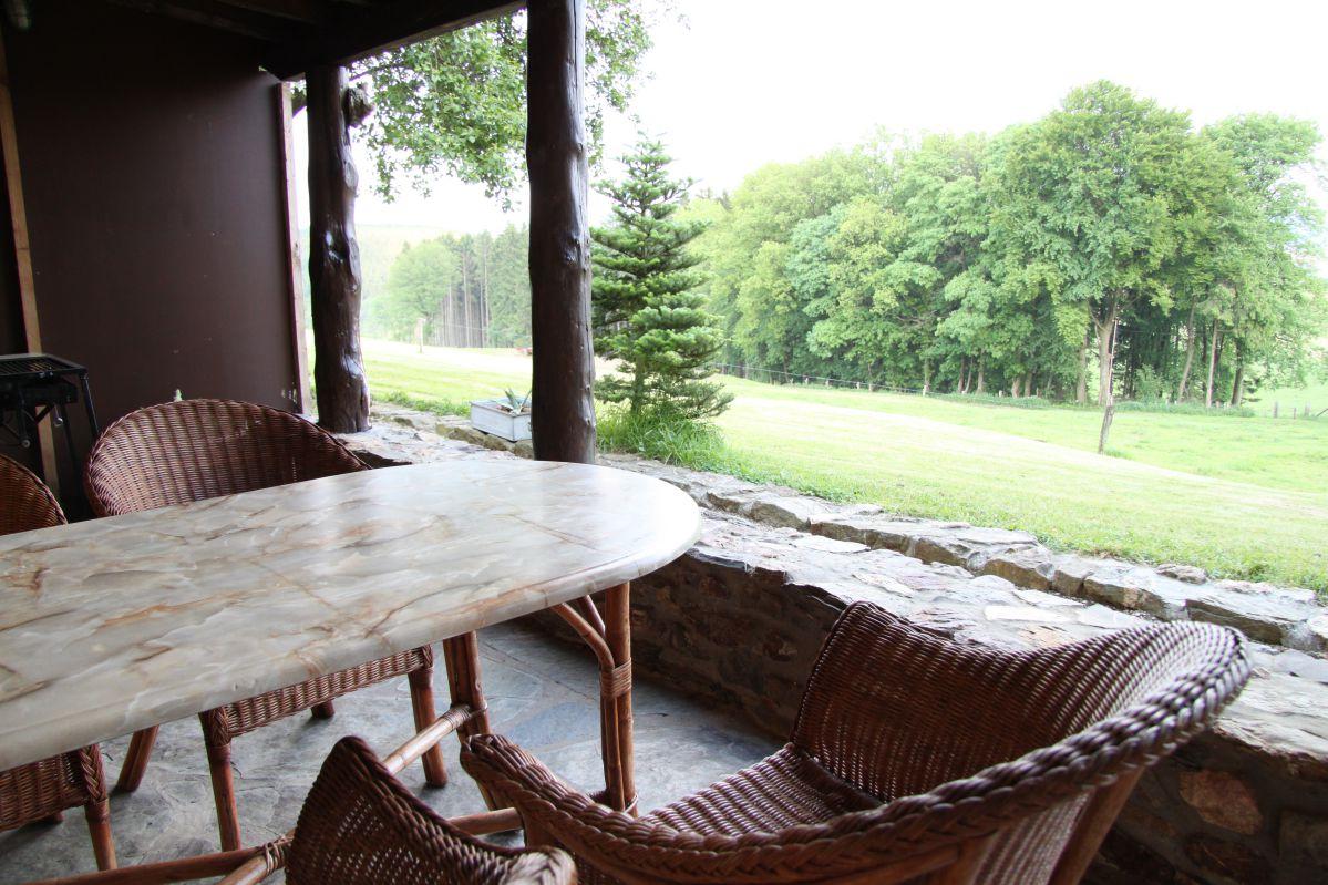 huisje huren Ardennen uitzicht terras