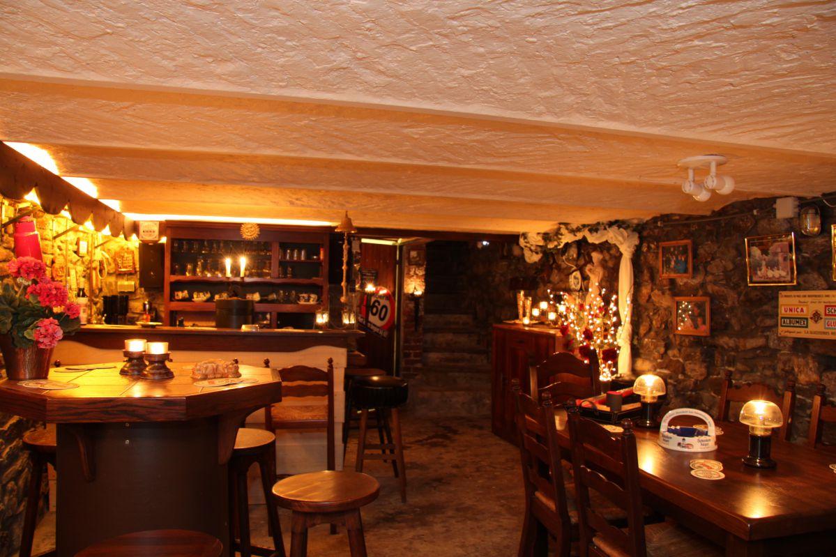 huisje Ardennen sfeervolle bar feestzaal