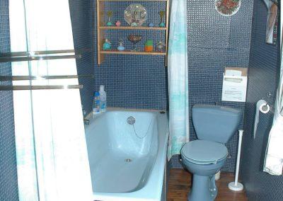 badkamer met toilet en sanitair